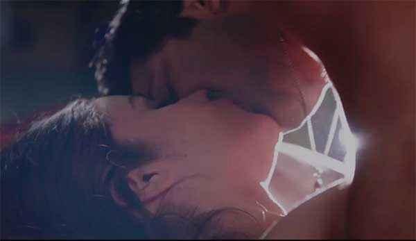 Humpty Sharma Ki Dulhania Varun Dhawan Alia Bhatt Hot Kiss Scene Stills