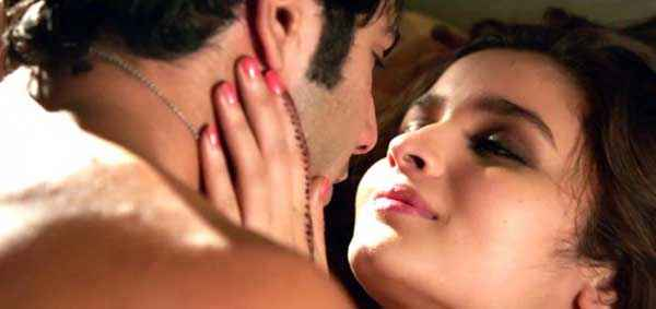 Humpty Sharma Ki Dulhania Varun Dhawan Alia Bhatt Sexy Scene Stills