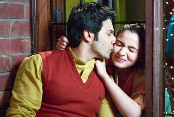 Humpty Sharma Ki Dulhania Varun Dhawan Kissing Alia Bhatt Stills