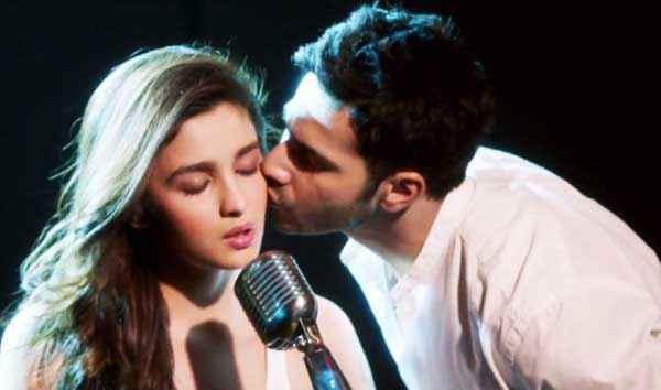 Humpty Sharma Ki Dulhania Varun Kissing Alia Stills