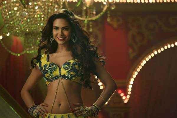 Humshakals Esha Gupta Piya Ke Bazaar Mein Item Song Stills