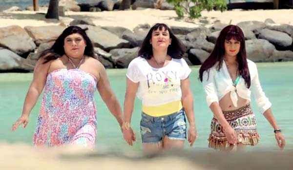Humshakals Ram Kapoor Saif Ali Khan Riteish Deshmukh In Beach Dtress Stills