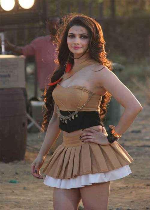 I Me Aur Main Prachi Desai Gorgeous Look Stills
