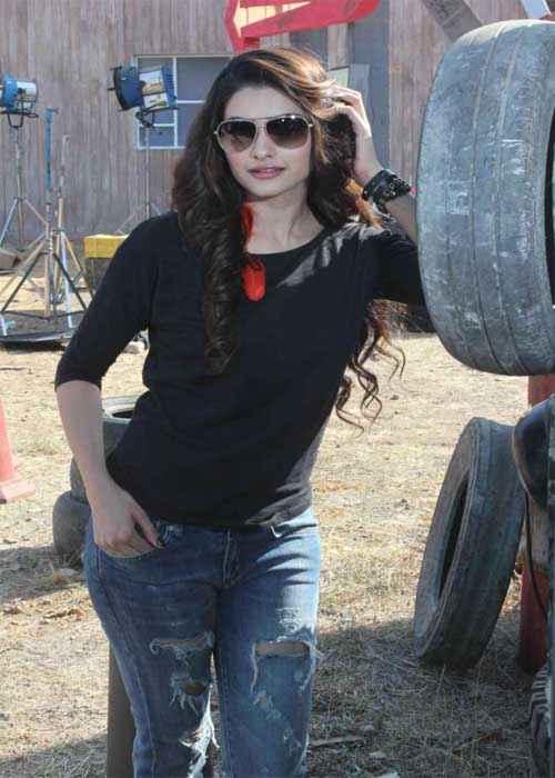 I Me Aur Main Prachi Desai Gorgeous Pics Stills
