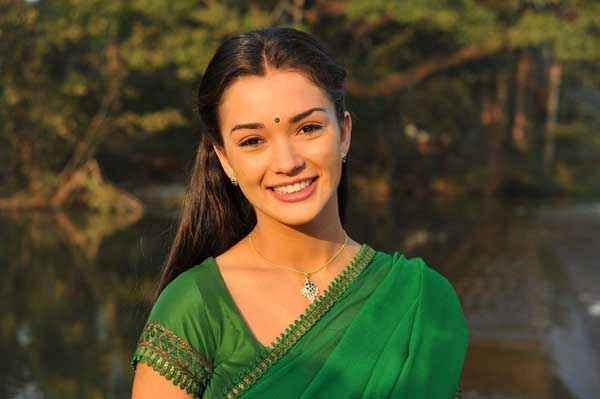 I Amy Jackson In Green Saree Stills