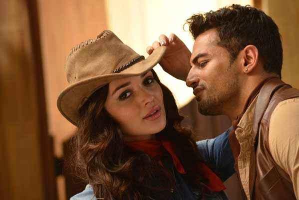I Amy Jackson Upen Patel Romance Stills