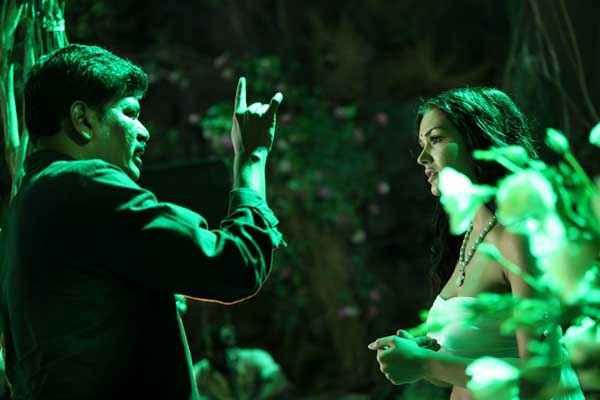 I Suresh Gopi Amy Jackson Scene Stills