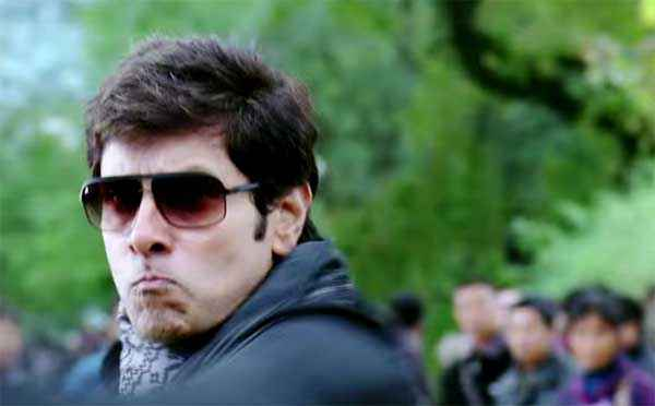 I Vikram With Goggle Stills