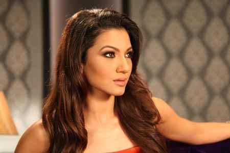 Ishaqzaade Star Cast Gauhar Khan