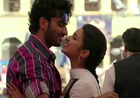 Ishaqzaade Arjun Kapoor And Parineeti Chopra In Romance Scene Stills