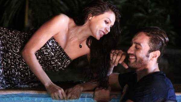 Ishq Click Sara Loren Adhyayan Suman Romance Stills