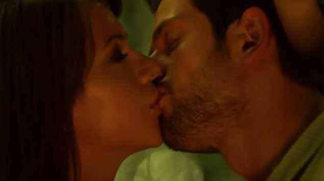 Ishq Forever Krishna Chaturvedi Ruhi Singh Kissing Scene Stills