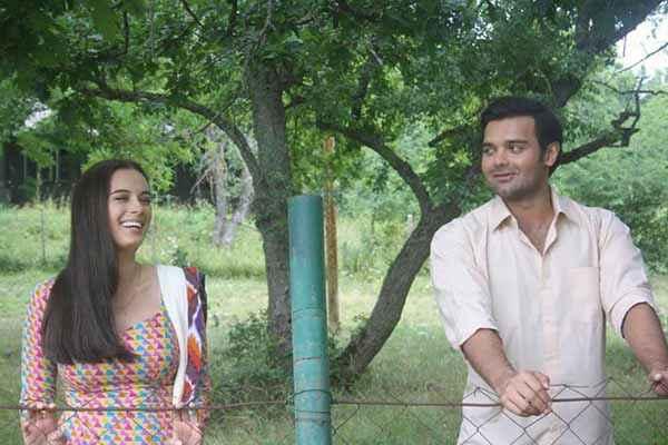 Ishqedarriyaan Evelyn Sharma Mahaakshay Chakraborty Laughing  Stills