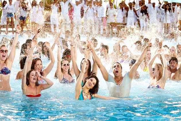 Its Entertainment Akshay Kumar Tamannaah Bhatia Water Pool Dance Stills