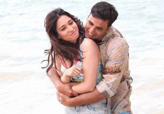 Its Entertainment Akshay Kumar Tamannaah Romance On Beach Stills