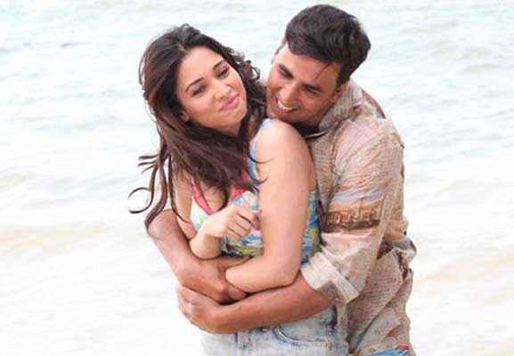 Its Entertainment Akshay Kumar Tamannaah Romance On Beach Stills