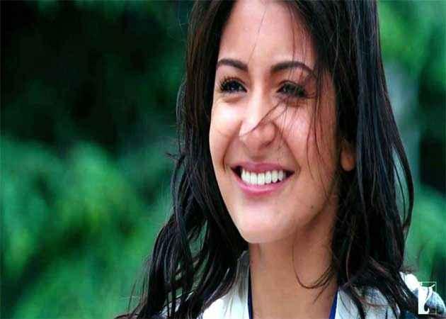 Jab Tak Hai Jaan Anuska Sharma Hot Pics Stills