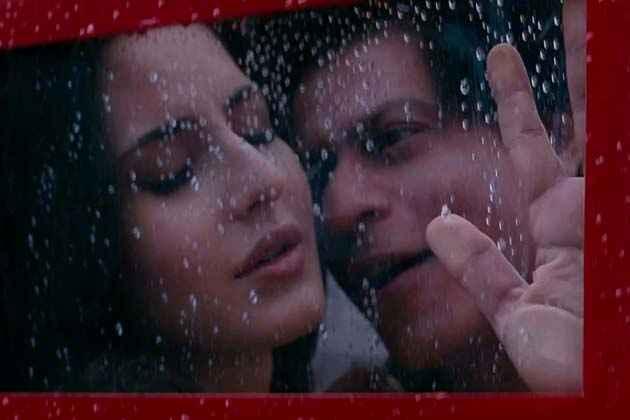 Jab Tak Hai Jaan Hot Scene Stills