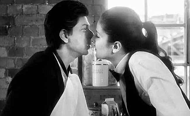 Jab Tak Hai Jaan Katrina Kissing Shahrukh Stills