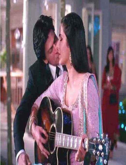 Jab Tak Hai Jaan Shahrukh Katrina Romantic Scene Stills
