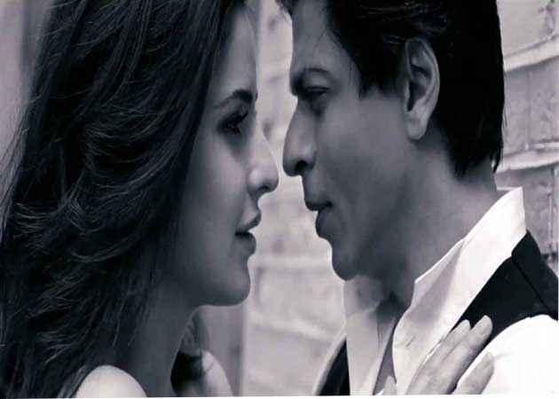 Jab Tak Hai Jaan Shahrukh Katrina Hot Scene Stills