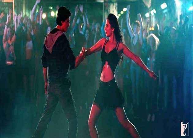 Jab Tak Hai Jaan Shahrukh Khan Katrina Kaif Hot Dance Stills