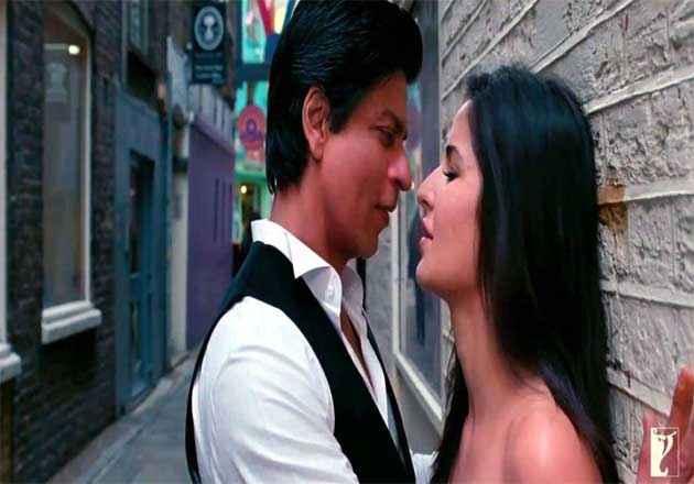 Jab Tak Hai Jaan SRK Katrina Hot Scene Stills