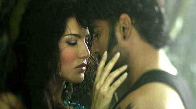 Jackpot 2013 Sachiin J Joshi Sunny Leone Kiss Scene Stills