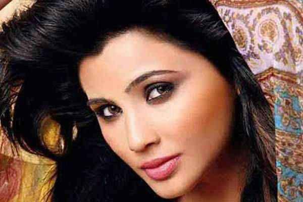 Jai Ho Star Cast Daisy Shah