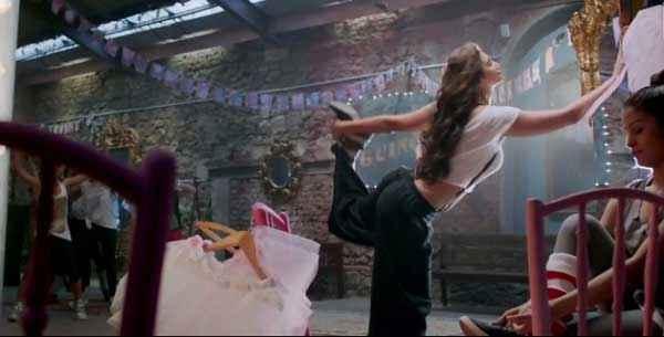 Jai Ho Daisy Shah Dance Action Stills