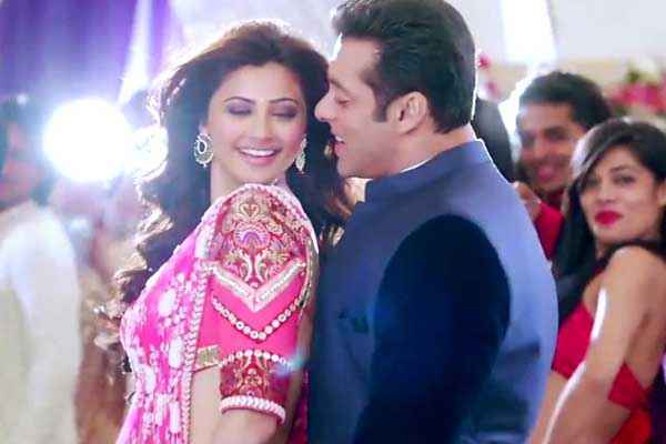 Jai Ho Daisy Shah Red And Salman Khan In Blues Dress Stills