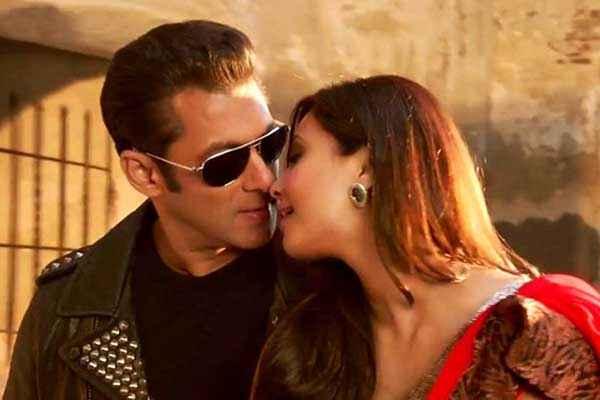 Jai Ho Salman Khan Daisy Shah Kiss Scene Stills