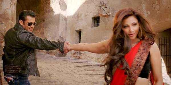 Jai Ho Salman Khan Daisy Shah Romance Stills