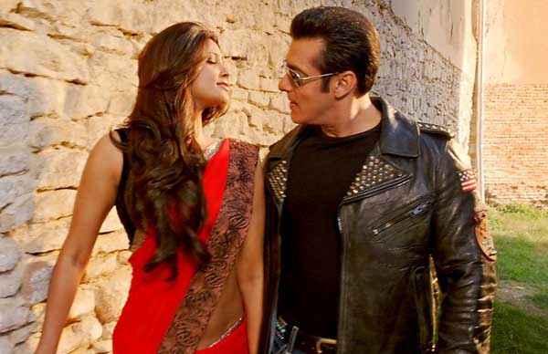 Jai Ho Salman Khan Daisy Shah Romantic Scene Stills