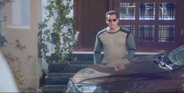 Jai Ho Salman Khan Goggles Stills