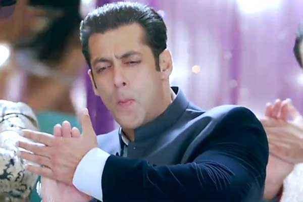 Jai Ho Salman Khan In Blues Coat Stills