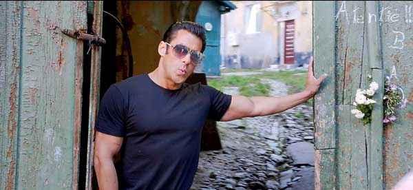 Jai Ho Salman Khan With Goggles Stills
