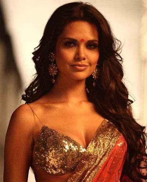 Jannat 2 Star Cast Esha Gupta