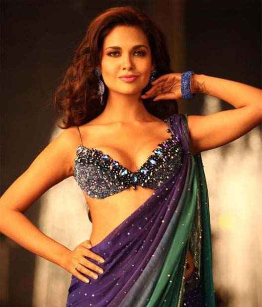 Jannat 2 Esha Gupta Wallpapers Stills