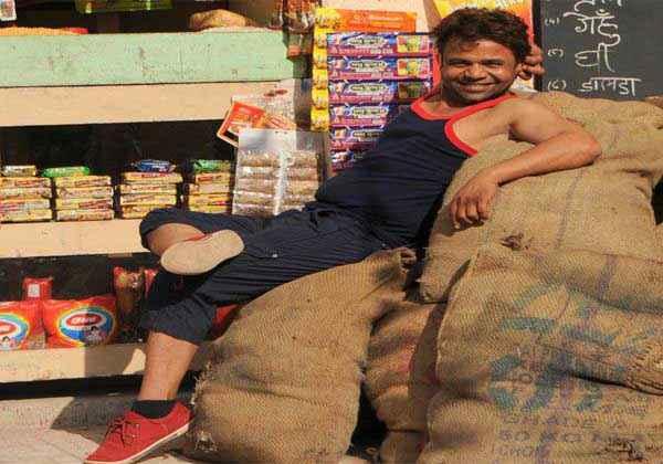 Janta VS Janardan Bechara Aam Aadmi Rajpal Yadav Pics Stills