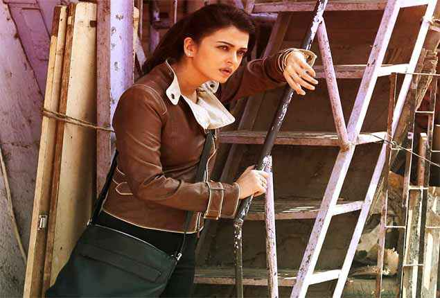 Jazbaa Aishwarya Rai First Look Stills