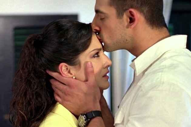 Jism 2 Arunoday Singh Sunny Leone Kiss Stills
