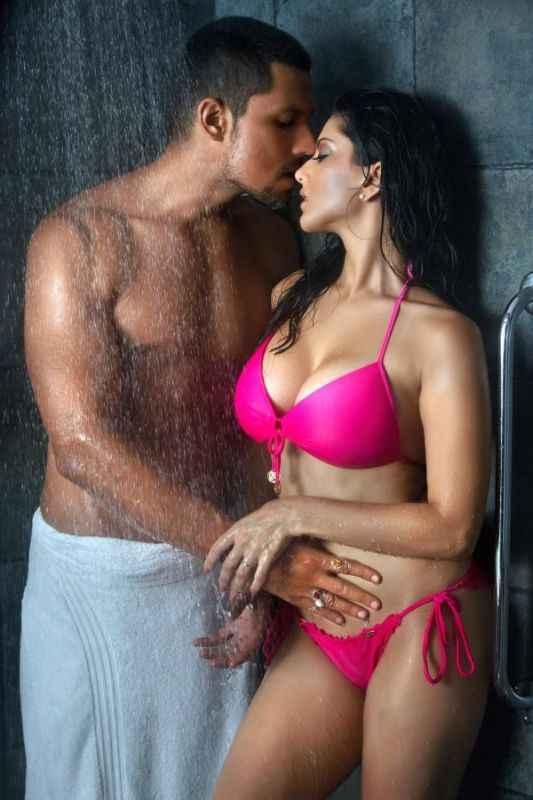 Jism 2 Randeep Hooda Sunny Leone Hot Kiss Scene Stills