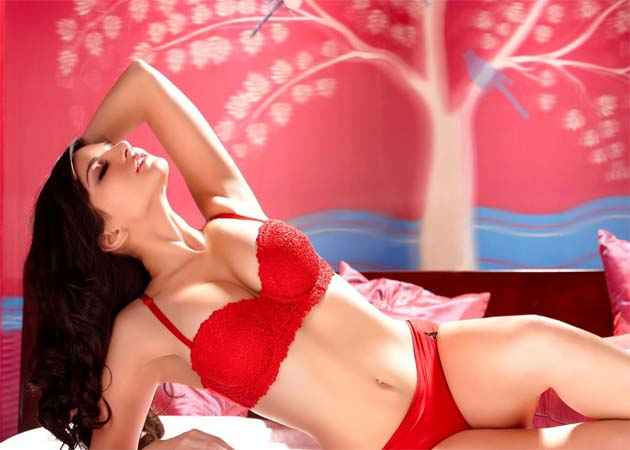 Jism 2 Sunny Leone Hot Wallpapers Stills