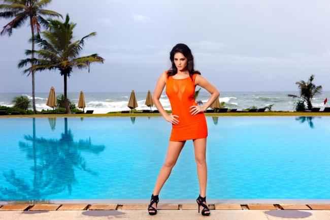 Jism 2 Sunny Leone Pics Stills