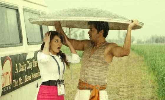 Joker Shreyas Talpade And Minissha Lamba In Romantic Scene Stills