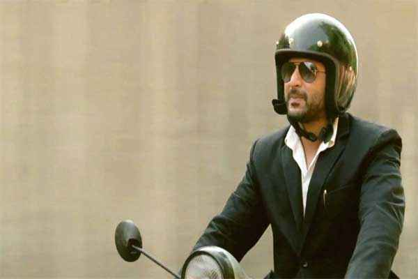 Jolly LLB Arshad Warsi with Scooter Stills