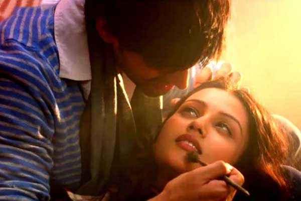 Kaanchi Kartik Tiwari Mishti Romance Stills