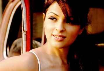 Kamaal Dhamaal Malamaal Star Cast Anjana Sukhani