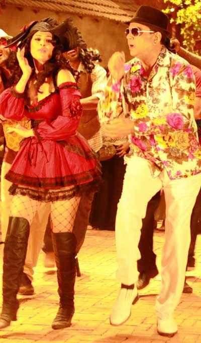 Kamaal Dhamaal Malamaal Paresh Rawal Anjana Sukhani Hot Pics Stills